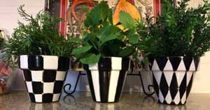 Black and White Geometric Painted Planters - Clay Pot Crafts