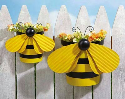 Clay Pot Bumble Bee Fence Planter - Clay Pot Crafts
