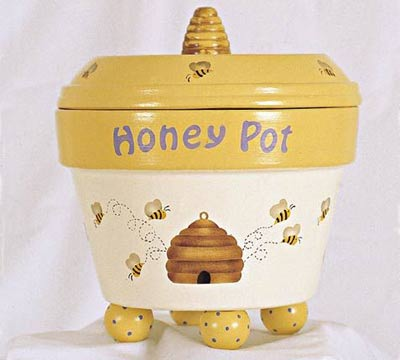 Stenciled Clay Pot Bumble Bee - Clay Pot Crafts